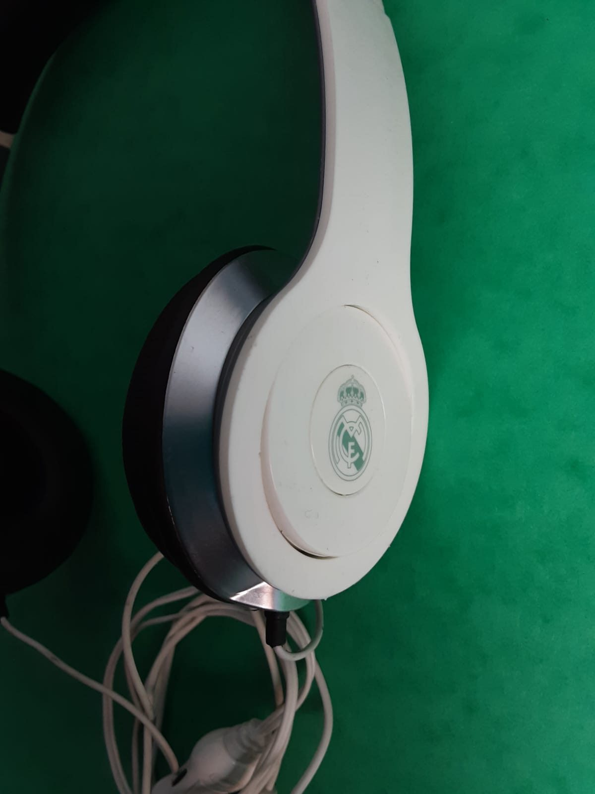AURICULARES REAL MADRID OFICIALES